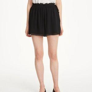 Club Monaco Katya Short Pleated Shorts
